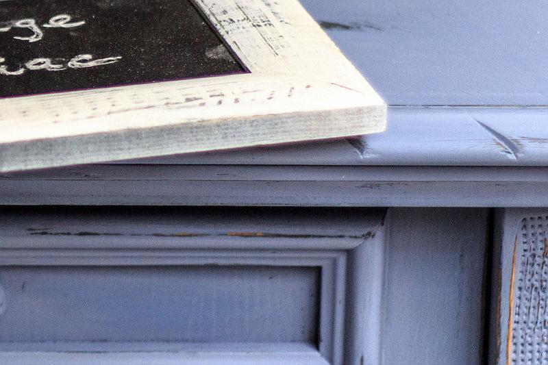 efecto-vintage-shabby-chic-con-chalk-paint-spray-pintyplus