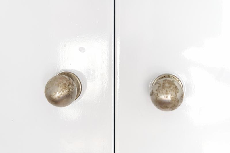 Renovar-pomos-con-pintura-en-spray-Pintyplus-1