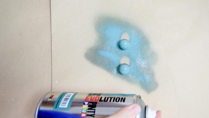 Renovar-pomos-con-pintura-en-spray-Pintyplus-5