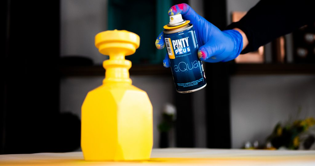 vizes bázisú festékspray