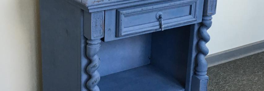 DIY vintage éjjeliszekrény