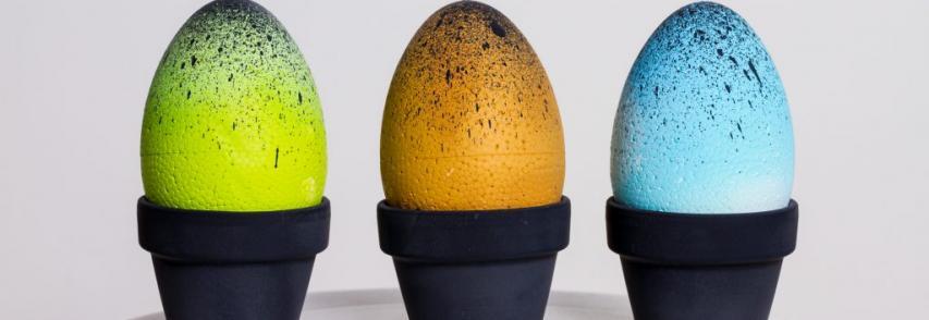 Húsvéti tojás fröcsköléssel